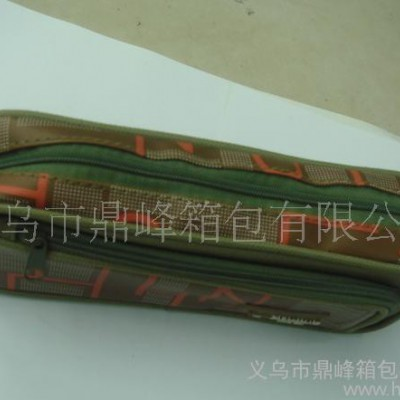 鼎峰箱包专业生产学生笔袋、卡通笔袋、欢迎来样订做